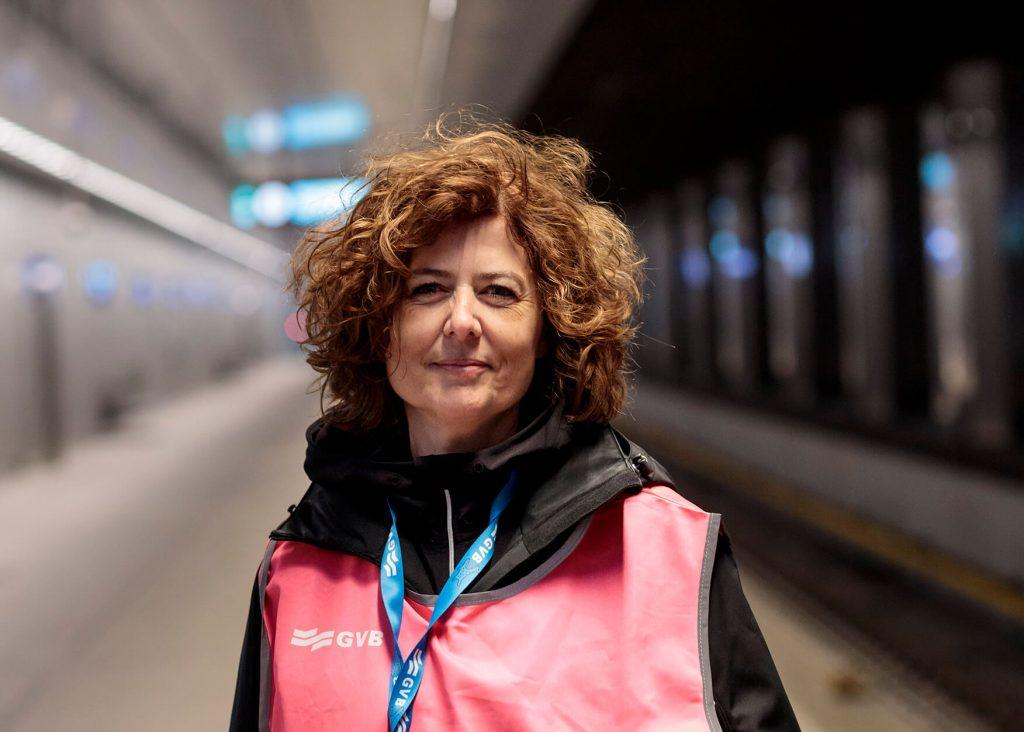 Nathalie Vossen GVB op station CS Noord/Zuidlijn testreizen