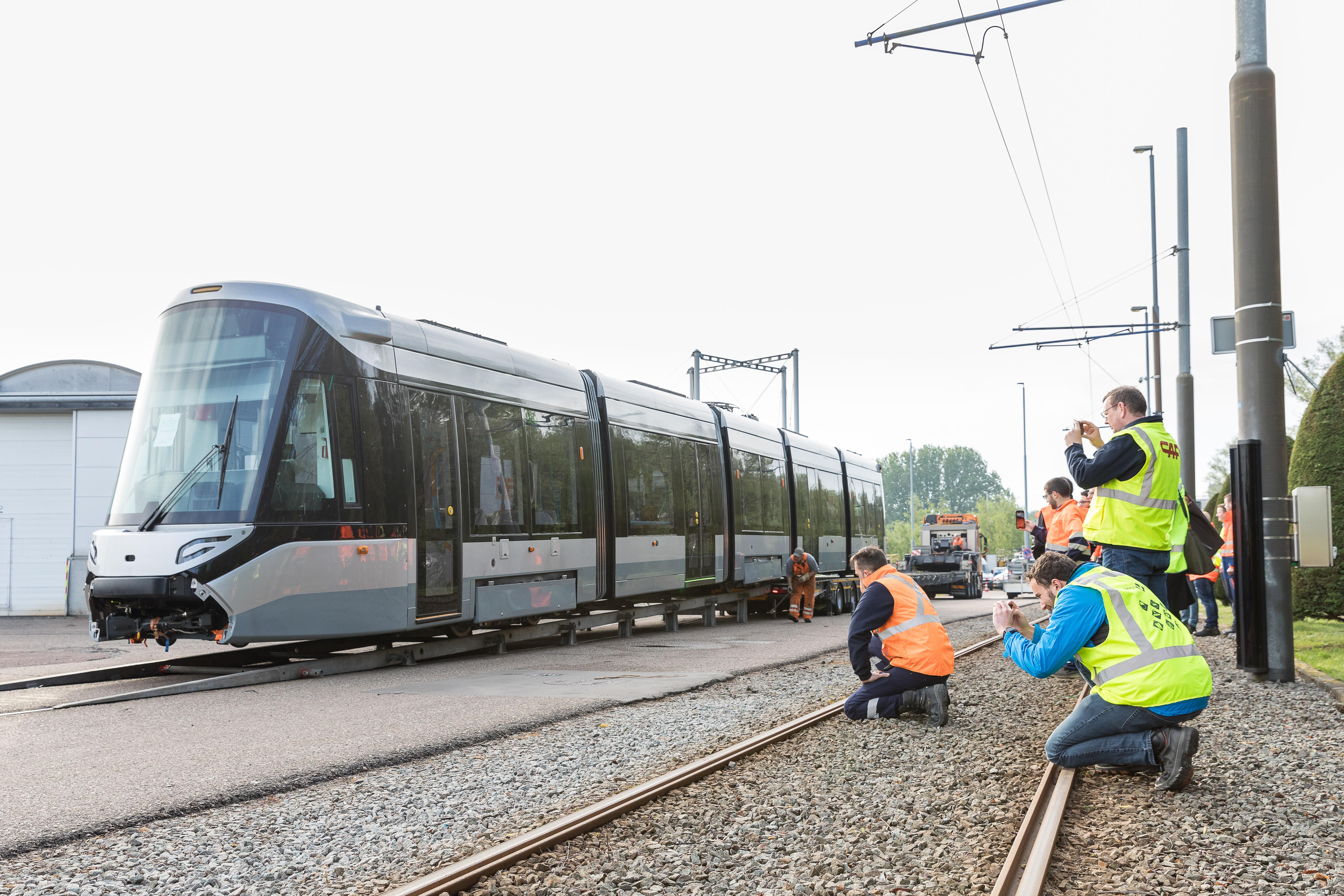 Eerste 15G tram op spoor HWR