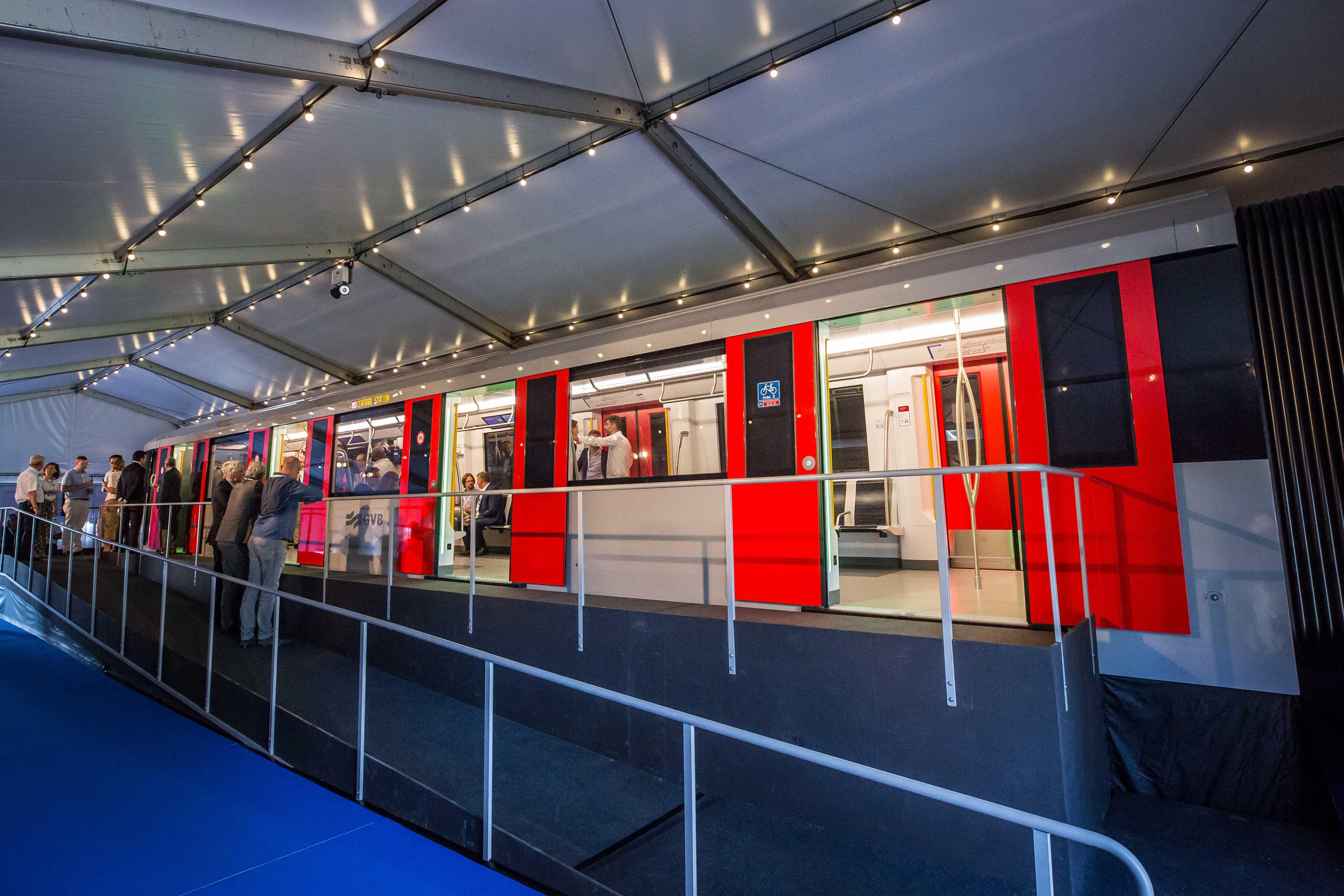 Opening mock-up nieuwe M7 metro voor Amsterdam