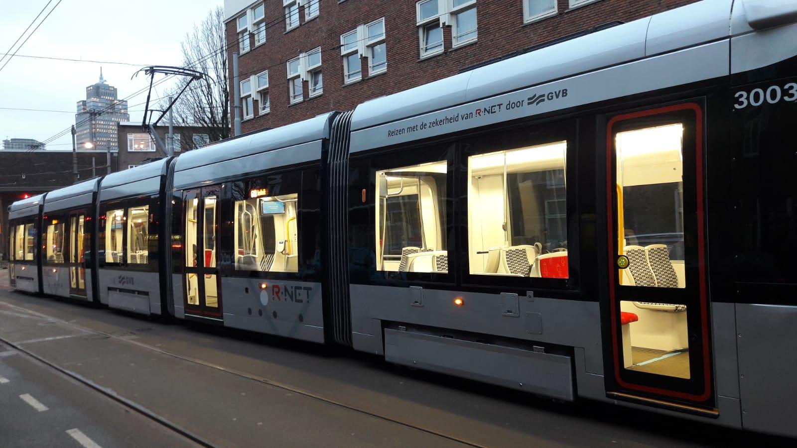 Nieuwe 15G tram in r-net kleuren