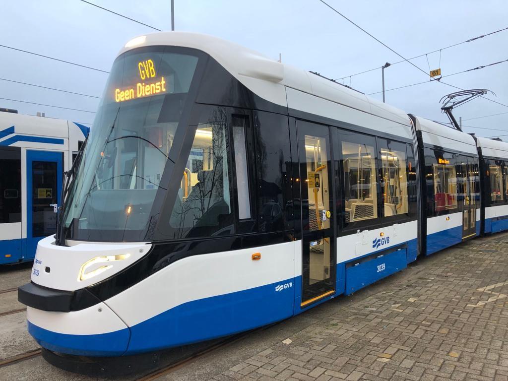 primeur nieuwe 15G tram blauw-wit op Lijn 5